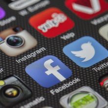 Ken jij social media op je duimpje?